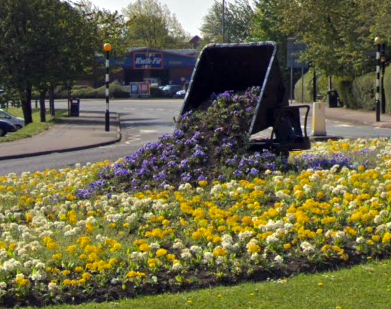 Hudson tipper wagon used at flower container on roundabout